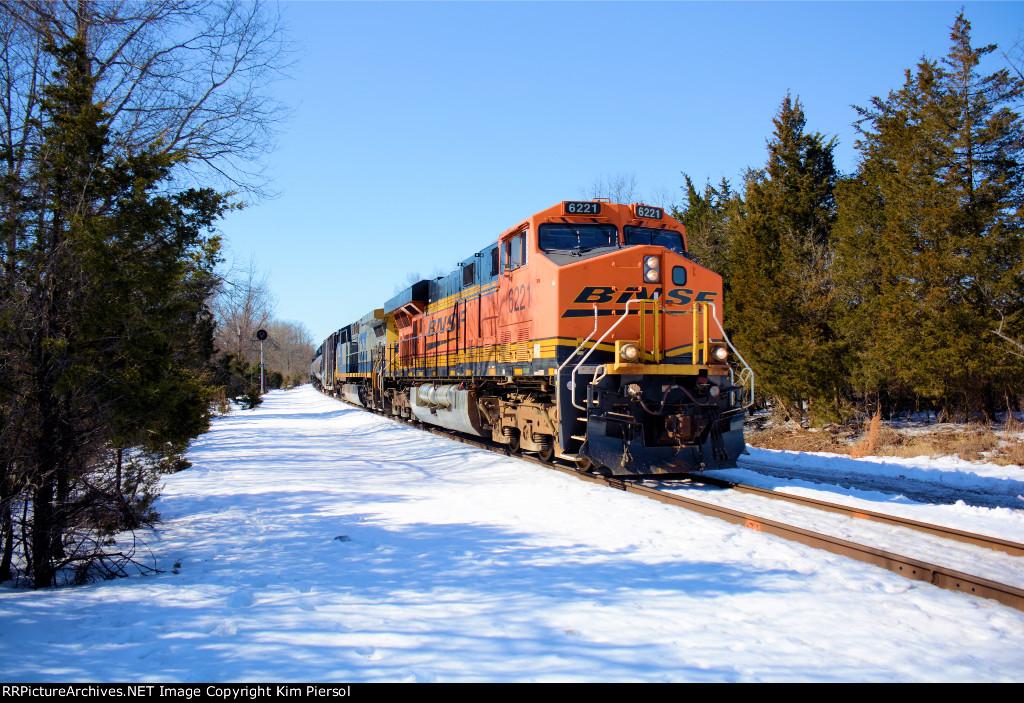 BNSF 6221 CSX Train Q300