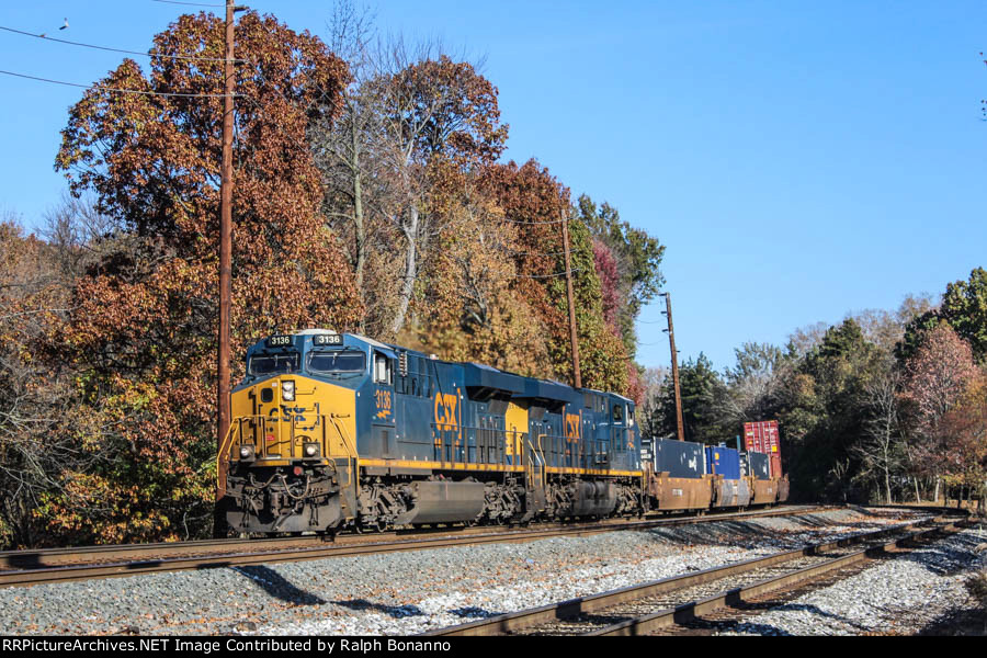 Southbound Q008 with a dash of fall colors