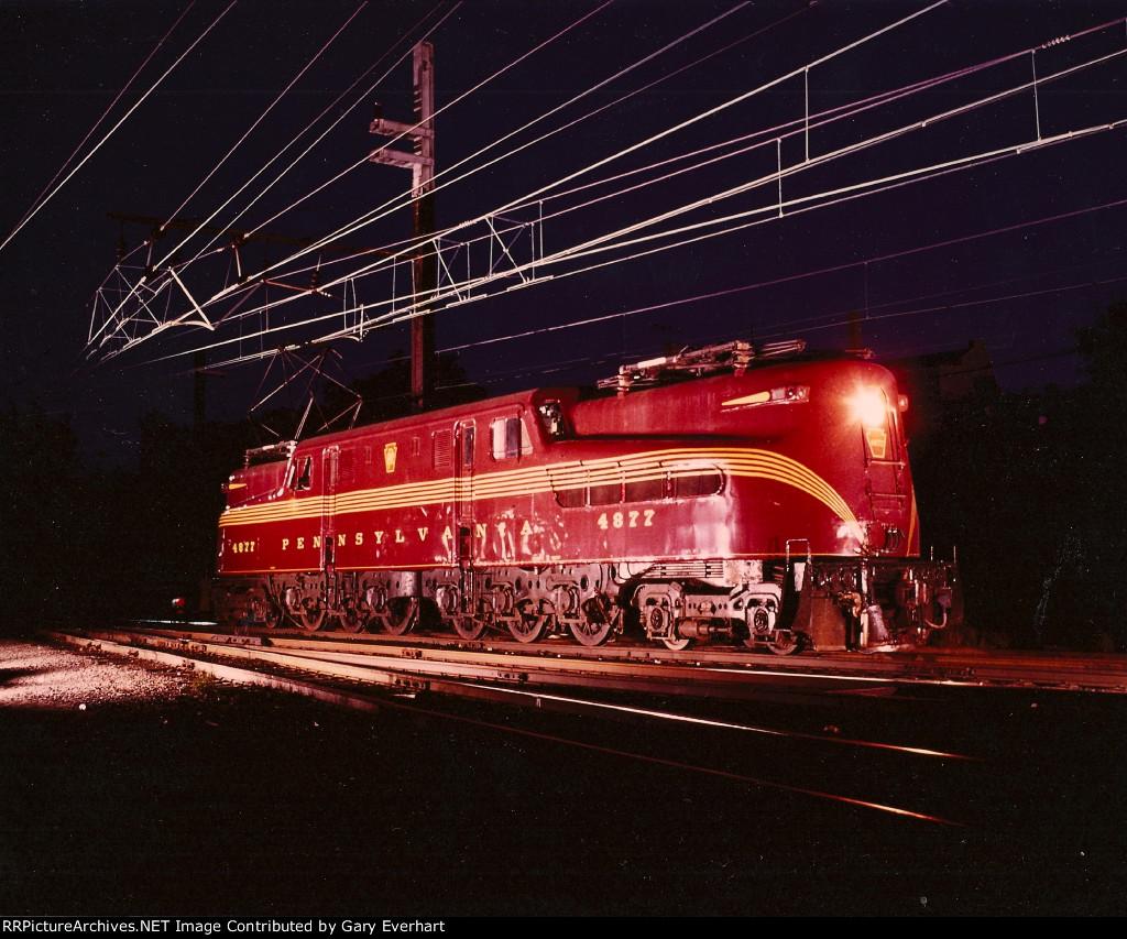PRR GG1 4877 - Pennsylvania RR
