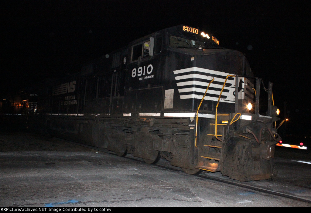 NS 8910