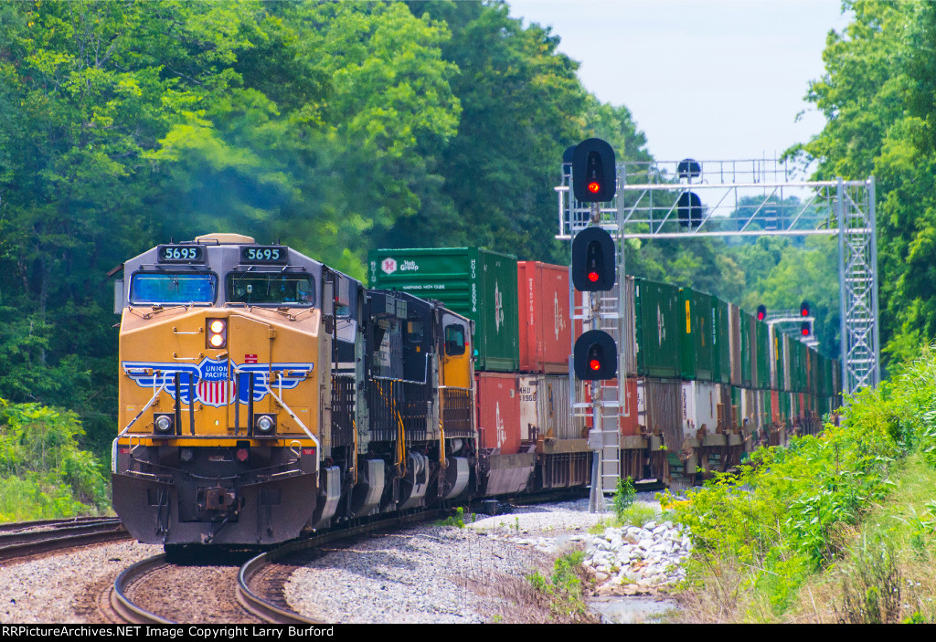 Union Pacific 5695