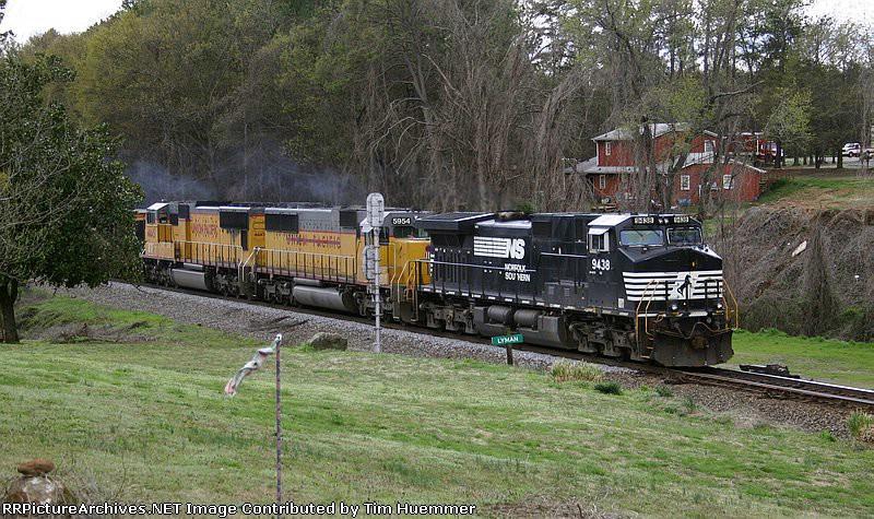 NS Train 75N, an empty coal train