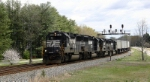 NS Train 213 with a solid set of GP60s