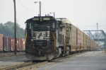NS Train 25T in between crews