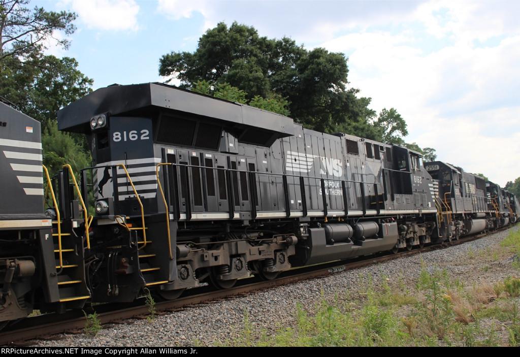 NS 8162