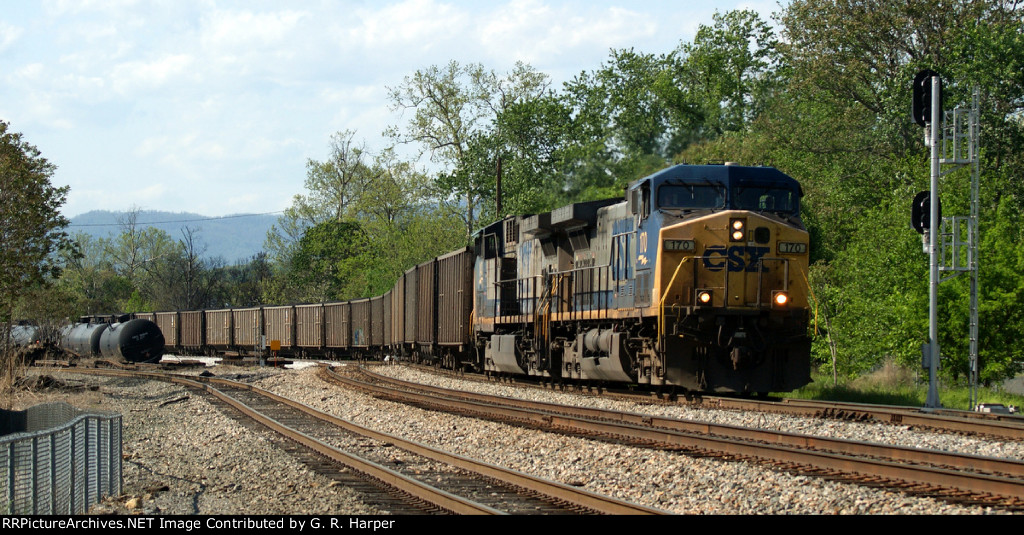 "CSX 170 at the signal that governs the movement onto the ""switching lead"""