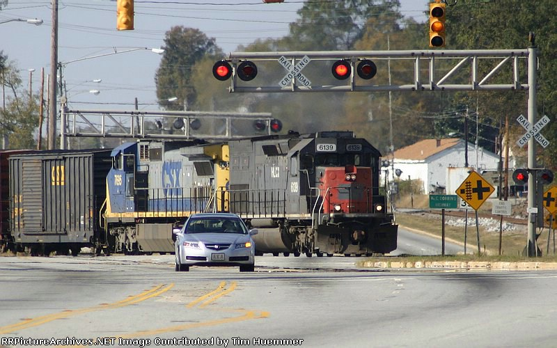 F782 crossing Carolina Ave