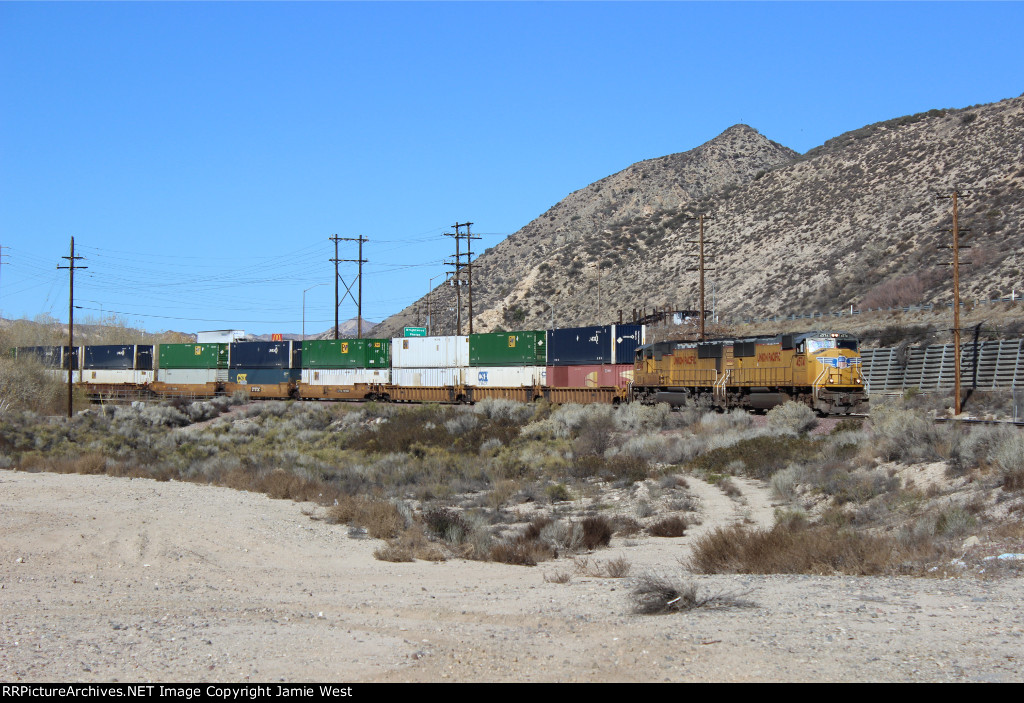 UP Z-Train on Cajon Pass