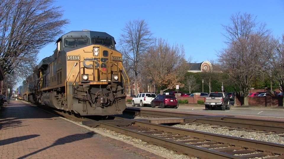 Yet another GEVO leader as Q033 comes south through Ashland, VA