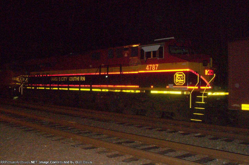 KCS ES44AC 4787 trails on K041-23