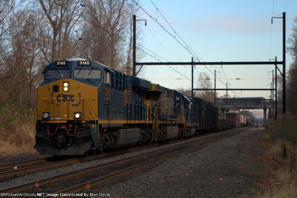 CSX ES44AH 3145 leads Q409-15