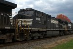 NS C40-9W 8942 trails on 16T