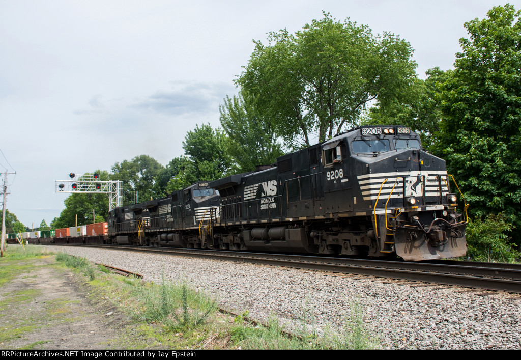 NS 9208 leads 23K west