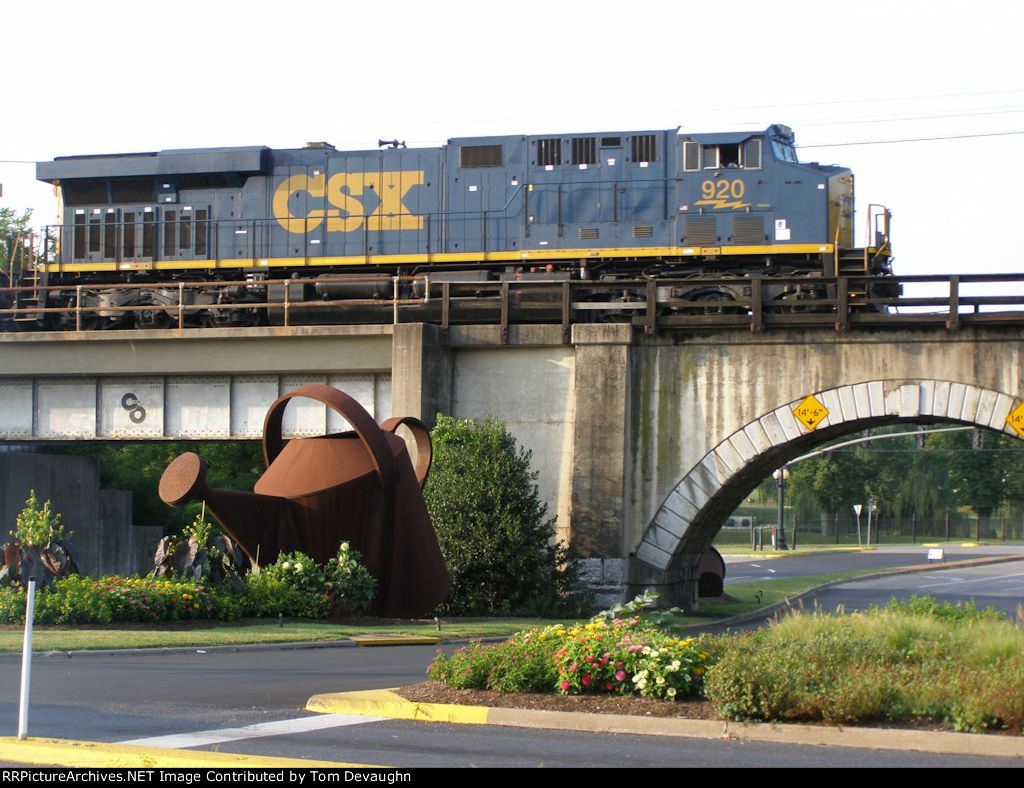 CSX 920 by watering can