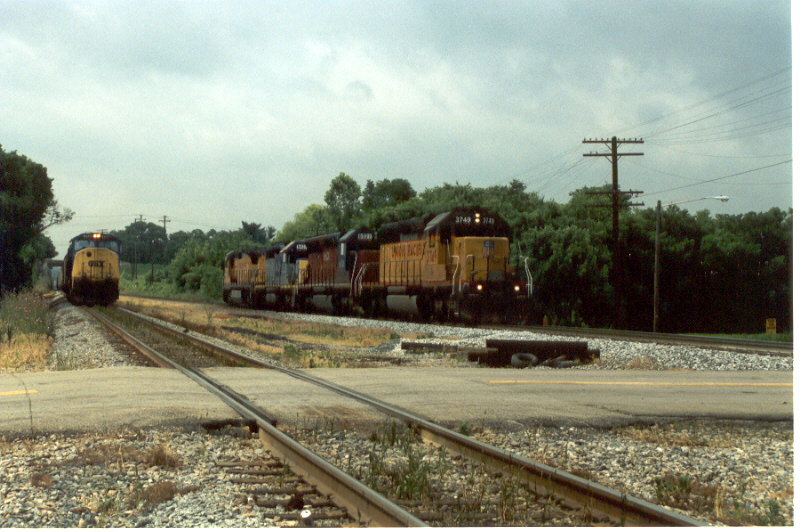 UP 3749 and friends