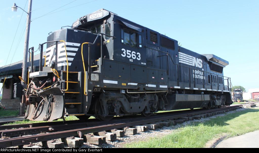 NS D8-B32 #3563