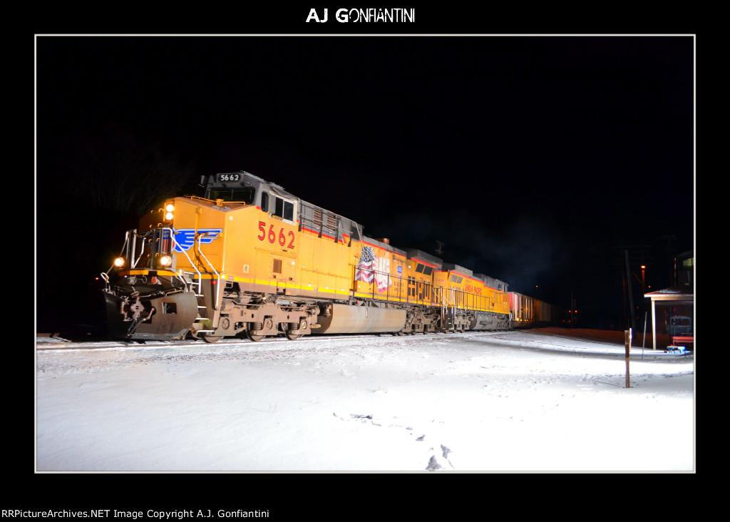 UP 5662 & 6214