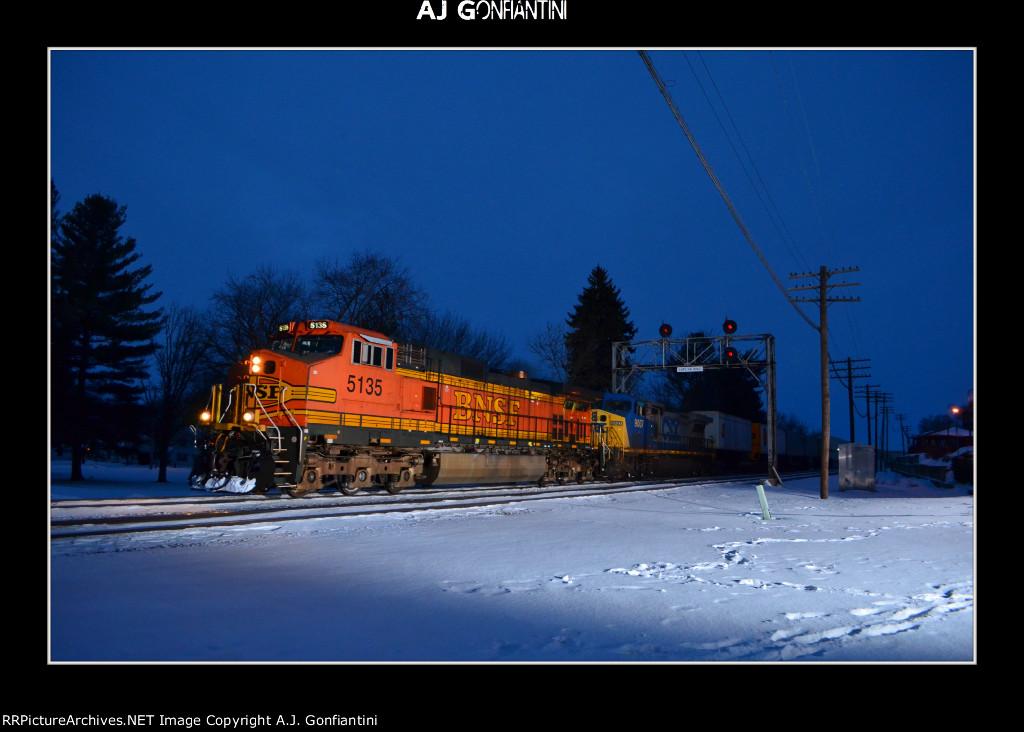 BNSF 5135 & CSX 9007