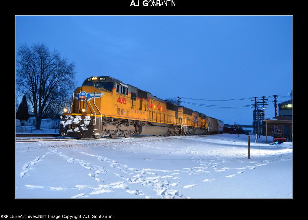UP 4015 & 4879