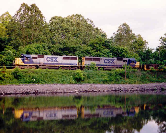 CSX Train Q690