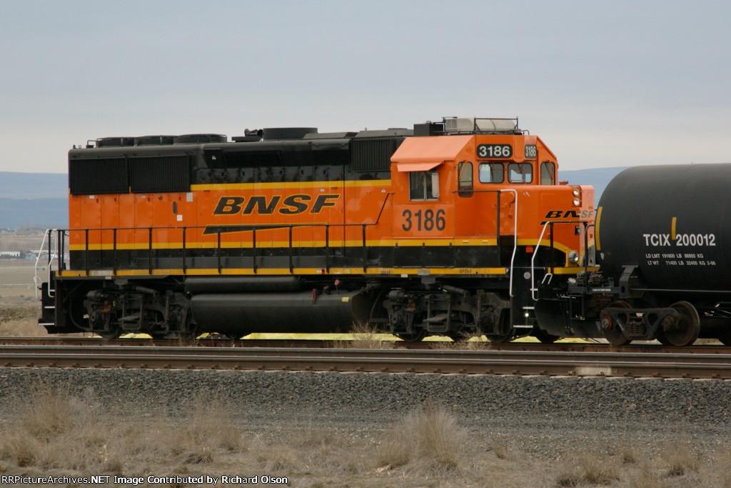 BNSF 3186