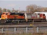 BNSF 9015 & 204