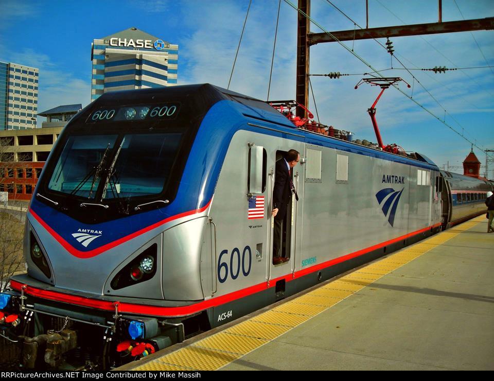 Amtrak #171 with ACS-64 #600