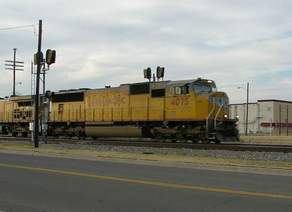 UP 4075