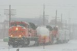 BNSF LNG Set in the Snow!