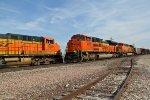 BNSF 9211 Meets a loaded KEEBIR train in Elsberry Mo.