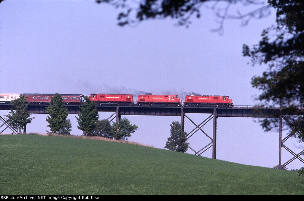 Morristown & Erie Alco units power the NRHS Special back to NJ