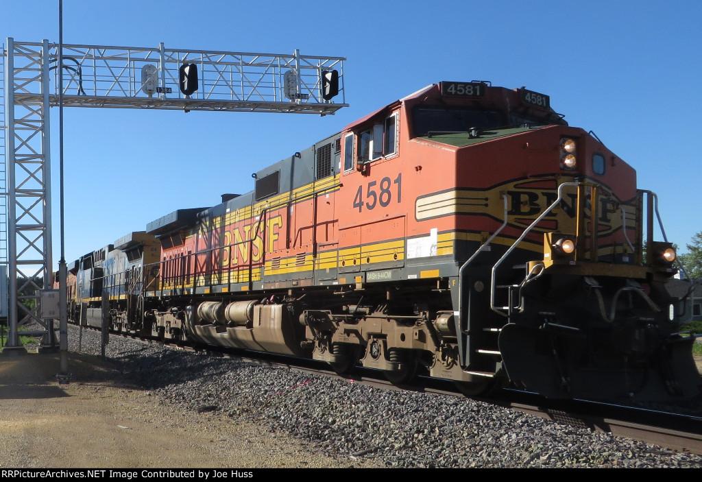 BNSF 4581 West