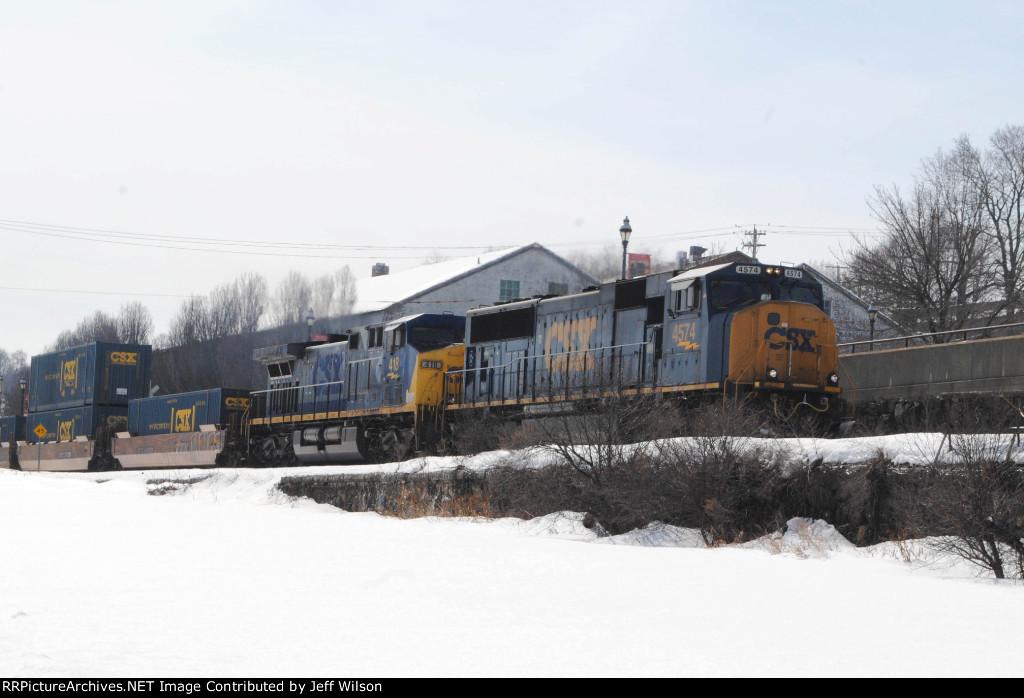 Q156 rolls north