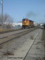 BNSF 4047 Races West