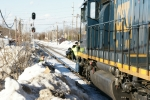 CSX 8052 - Offgoing conductor swings down.