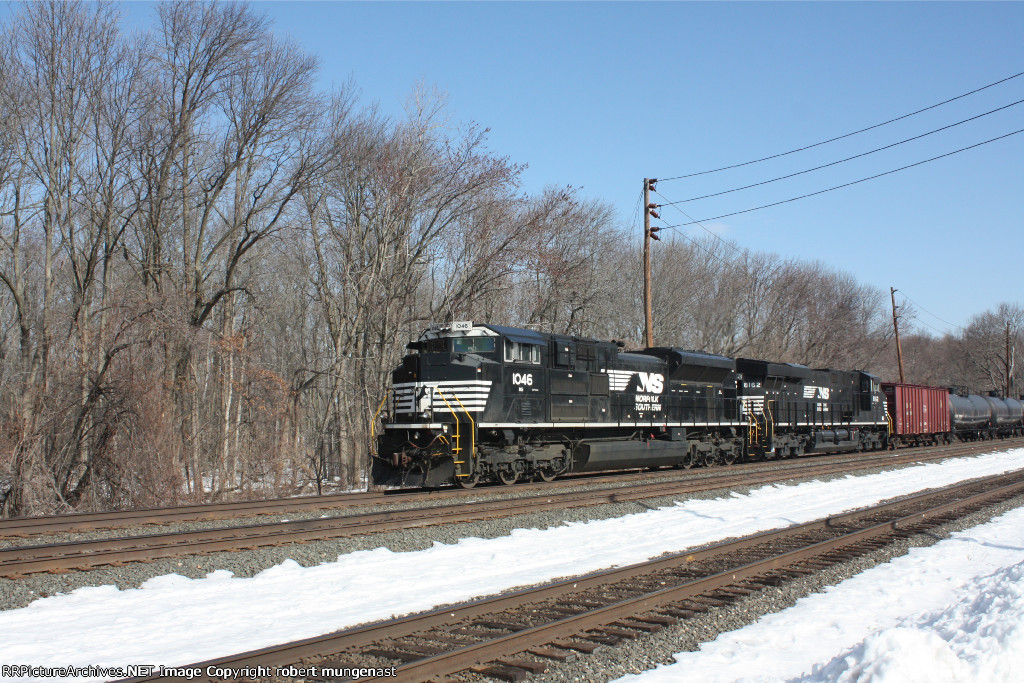 k 042-7 south bound oil train 9:30 am pic(1)