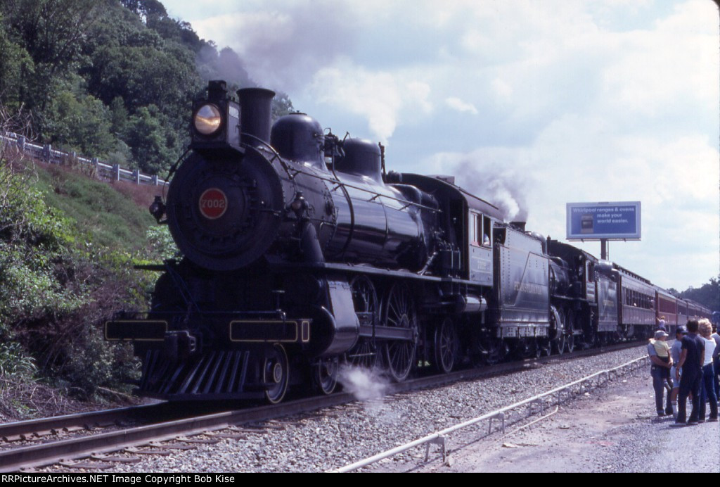 PRR 7002-1223 doubleheading at Rockville