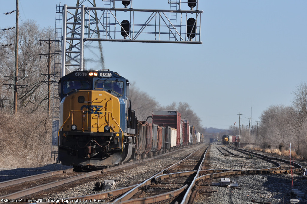 CSXT 4553 On CSX Q 507 Southbound At New River Jct Interlocker
