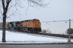 BNSF 5130 and NS 7525 show up to the party