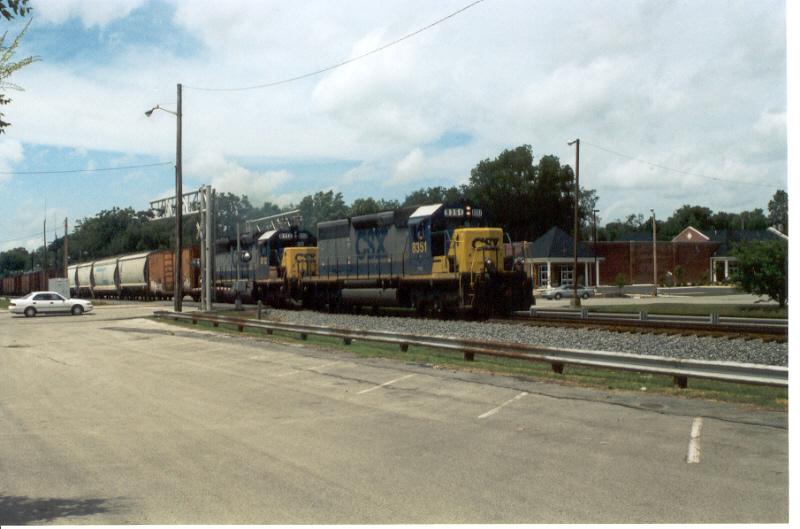 CSX 8351 (ex-CRR 3017), CSX 8112 (ex-L&N 8112)