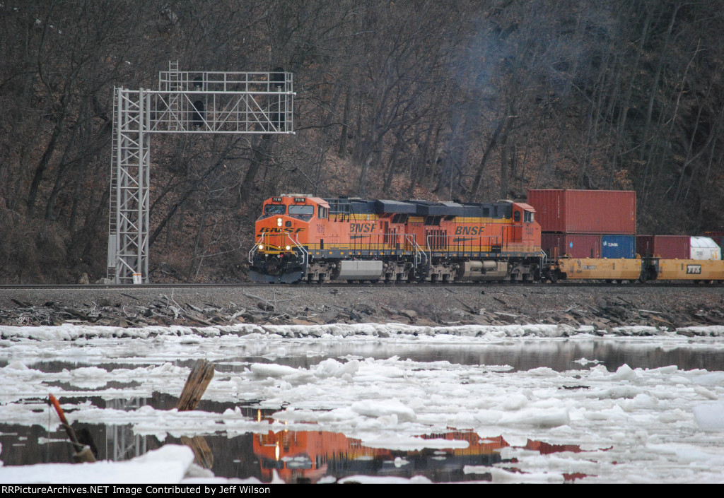 Q112 with all BNSF power