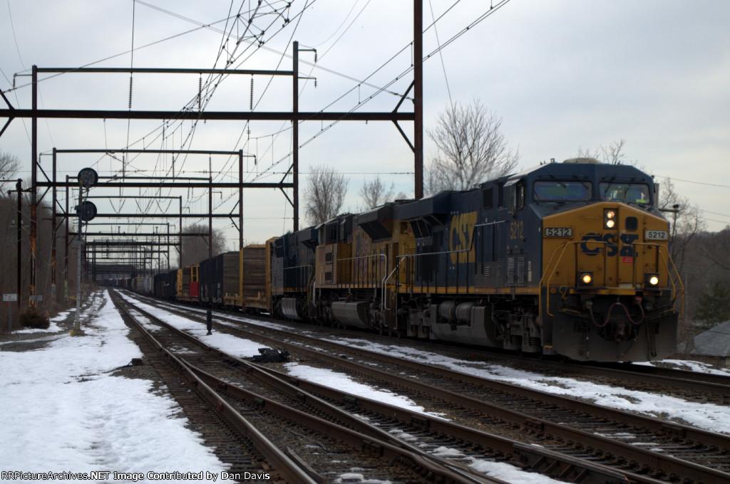 CSX ES40DC 5212 leads Q409-21