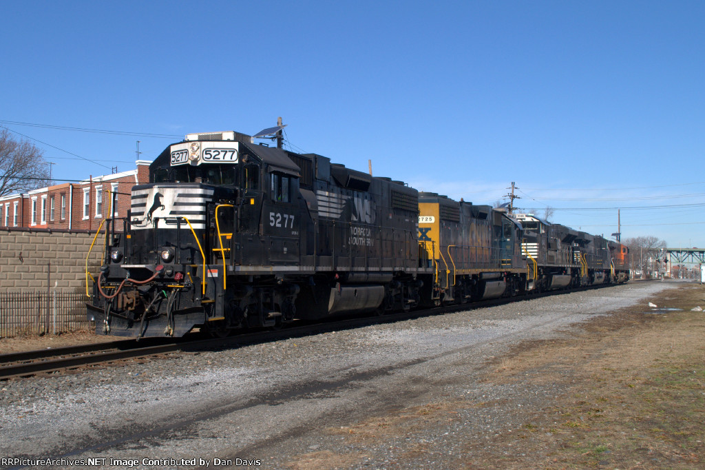 NS GP38-2 5277 leads WPFC-80