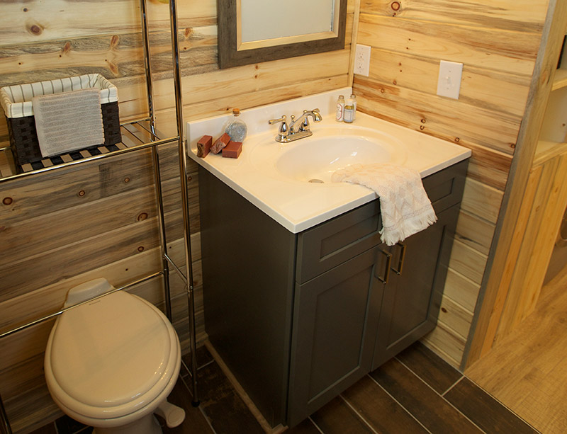Shaker bathroom cabinets