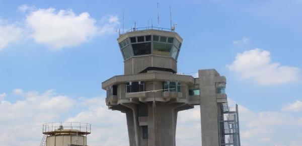 Torre de Control Aeropuerto Ernesto Cortissoz de Barranquilla. Foto: Colprensa /Juan Manuel Cantillo.