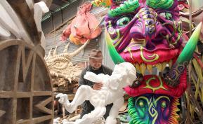 Preparación de carroza para el Carnalval de Negros y Blancos en Pasto (Nariño). Foto: Colprensa