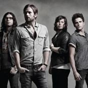 Kings of Leon son los hermanos Caleb Followill, Jared Followill, Nathan Followill y su primo Matthew Followill.