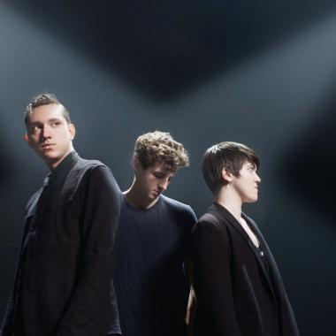 The XX son Olivier Sim, Jamie XX y Romy Croft. Foto tomada de Mainstage.com
