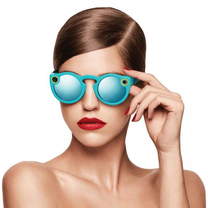 La gafas permitirán grabar 10 segundos de video y se podrán conectar al celular.