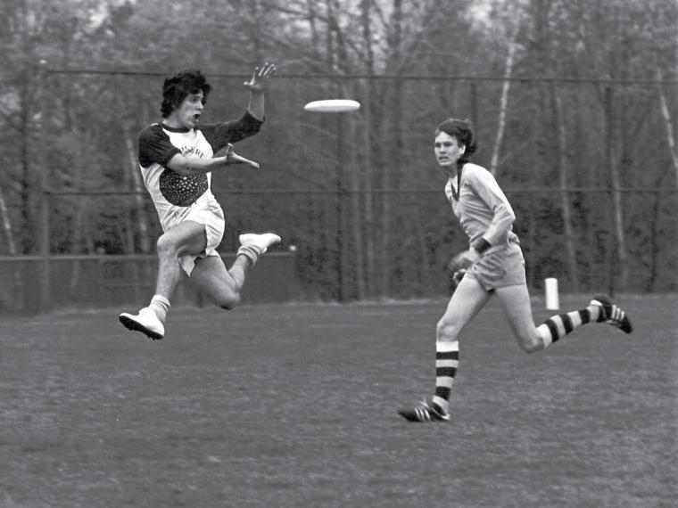 Primeros jugadores de ultimate. Años 60. Imagen tomada de la página Vancouver Ultimate League.